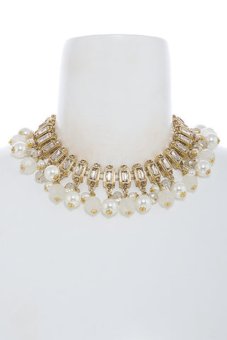 gorgeous pearl collar