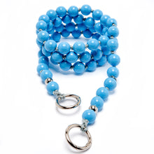 Load image into Gallery viewer, upbeads the eye the-eye blau hellblau blue crossbody Handykette Holzperlenkette Holzperlen cellphone chain keychain wooden bead chain