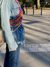 Laden Sie das Bild in den Galerie-Viewer, upbeads rosie rosa crossbody Handykette Holzperlenkette Holzperlen cellphone chain keychain wooden bead chain