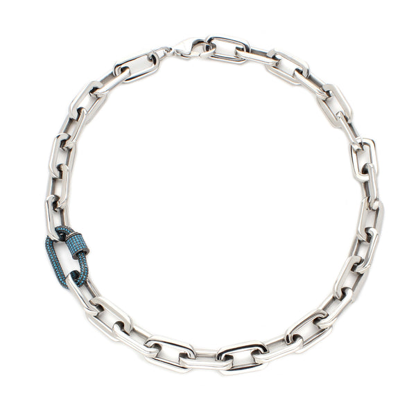 SAN MARINO PUERTO NECKLACE which is made of stainless steel silver with a blue green chain with stones detail.