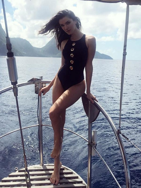 Metal Rings Black One-piece Swimwear