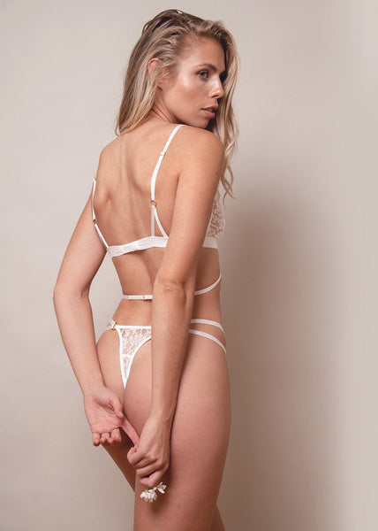 Lace Me Up Classic Thong – White