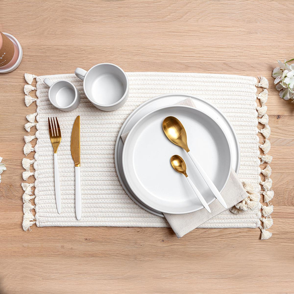 White Rope Placemat with White Tassels