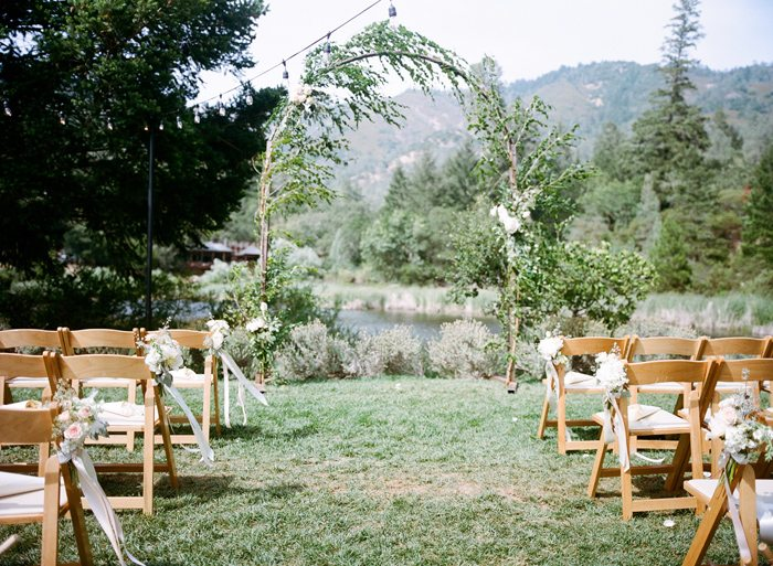Lindsey & Steven's whimsical wedding took place in Calistoga, CA. Would you like to be featured on #PPRealBride?