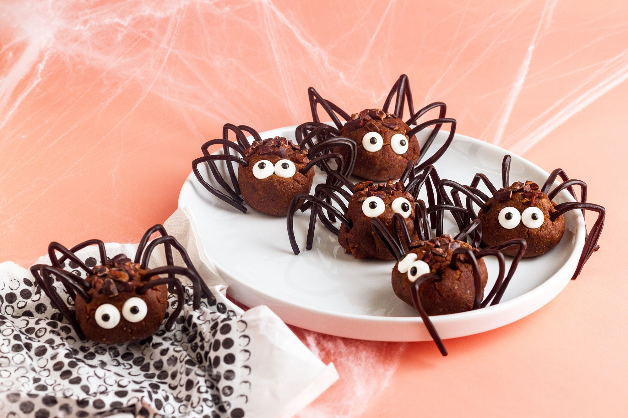 Pickett's Press 10 creative and easy Halloween treats for kids to get in the spooky spirit, and remember eat, drink, and be scary.
