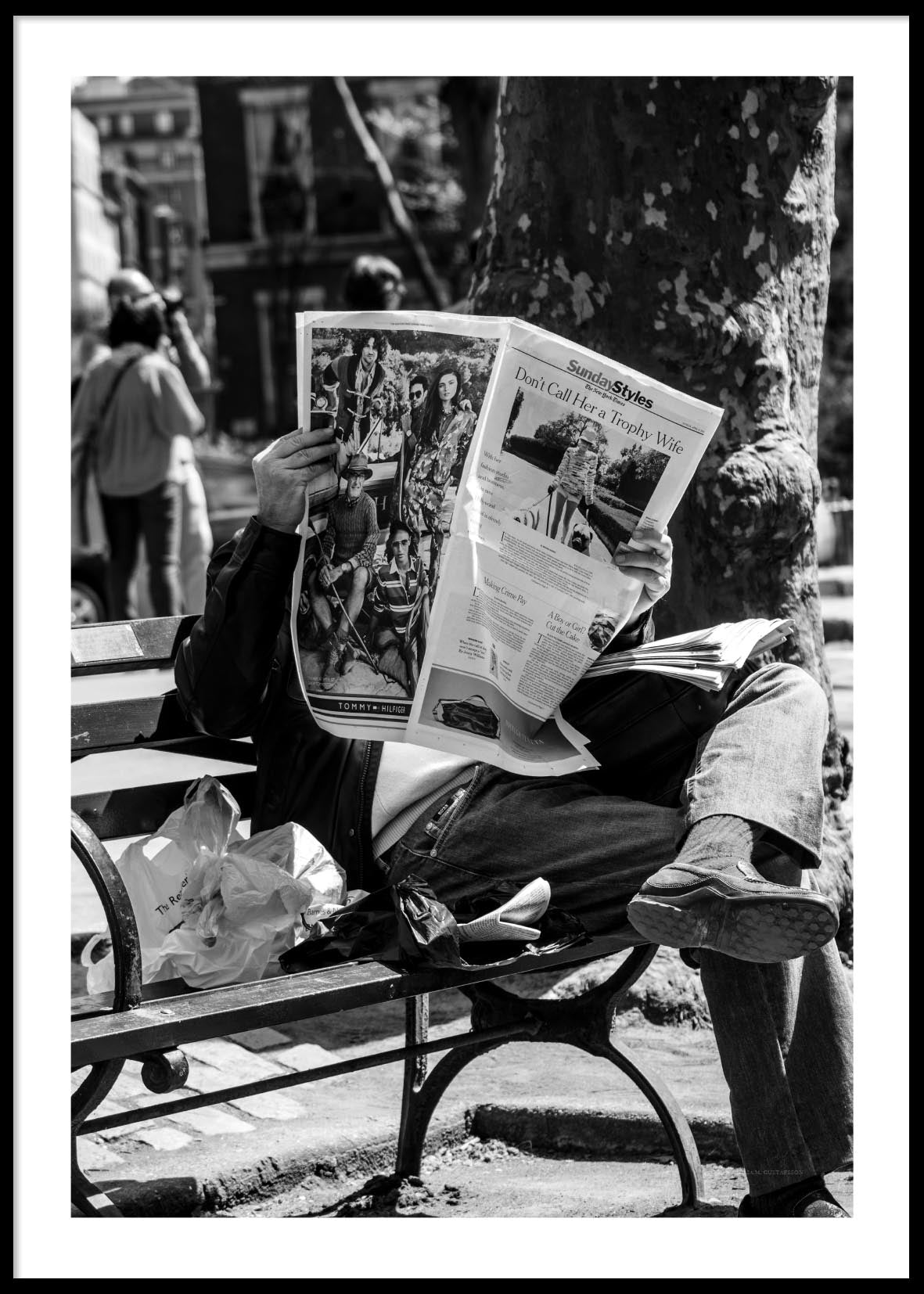 READING NEWSPAPER NEW YORK POSTER