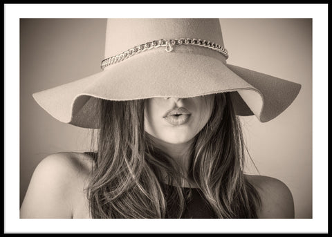 WOMAN WITH HAT POSTER