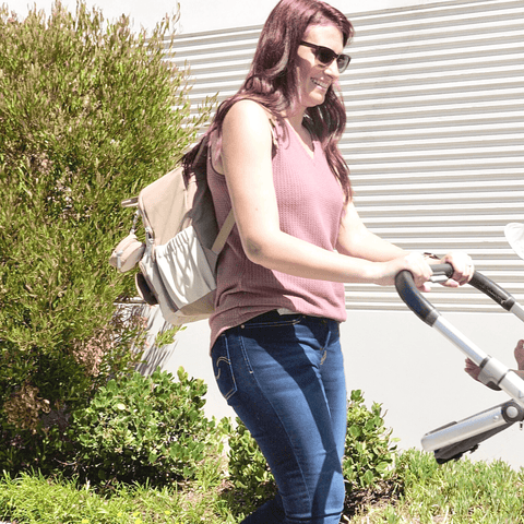 Get ready for a fun day out with KeaBabies PLAY Diaper Bag. The smart, functional and, spacious design maximizes storage space; so you can pack everything you need for yourself and your baby.