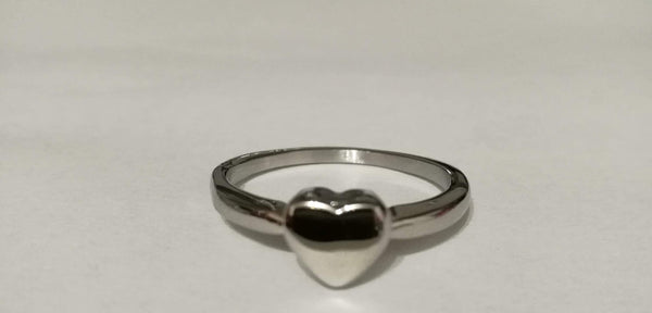 Elegant Small Heart Ring