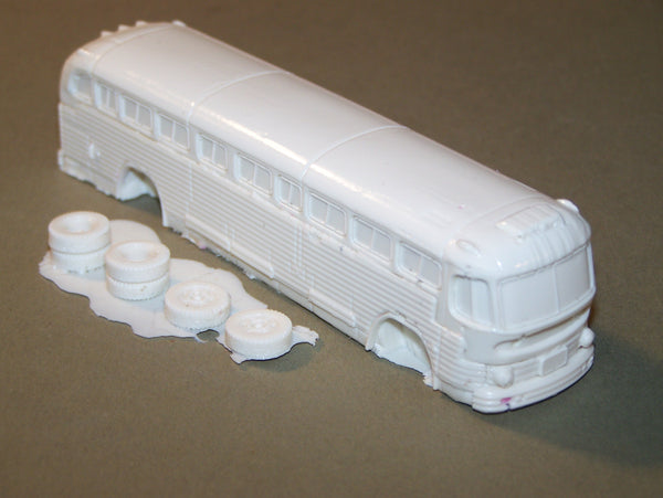 HO SCALE 1951 GENERAL MOTORS CORP.  BUS RESIN KIT