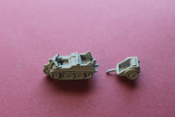 1/87TH SCALE 3D PRINTED WW II GERMAN KETTENRAD WITH FUEL TRAILER