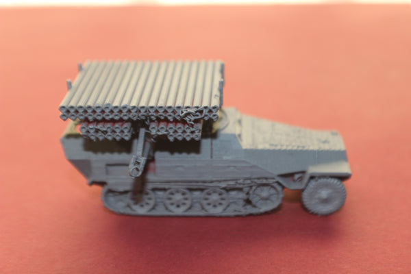 1-72ND SCALE 3D PRINTED WW II GERMAN SDKFZ 251 CALLIOPE HALFTRACK ARMORED FIGHTING VEHICLE
