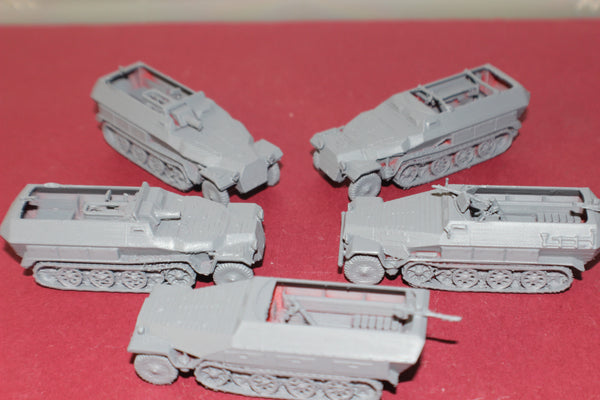 5 FOR 4 1-72ND SCALE 3D PRINTED WW II GERMAN SDKFZ 251s HALFTRACK ARMORED FIGHTING VEHICLE