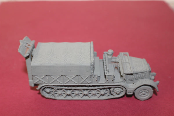 1-87TH SCALE 3D PRINTED WW II GERMAN SD.KFZ 9 FAMO OPEN CAB, COVERD BOX WITH SPADE