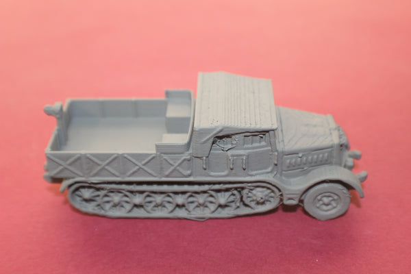 1-72ND SCALE 3D PRINTED WW II GERMAN SD.KFZ 9 FAMO CLOSED CAB, OPEN BOX