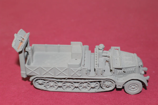 1-72ND SCALE 3D PRINTED WW II GERMAN SD.KFZ 9 FAMO OPEN CAB, OPEN BOX WITH SPADE