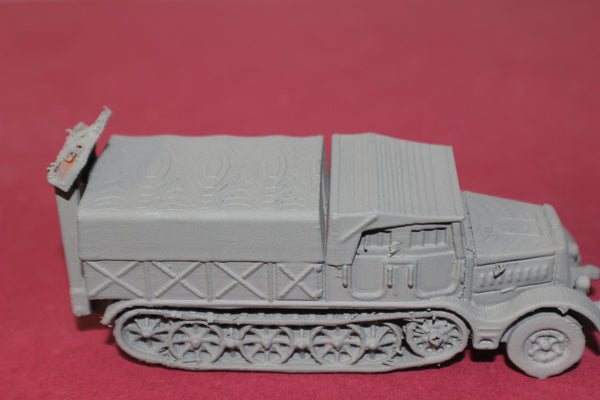 1-72ND SCALE 3D PRINTED WW II GERMAN SD.KFZ 9 FAMO CLOSED CAB, CLOSED BOX WITH SPADE