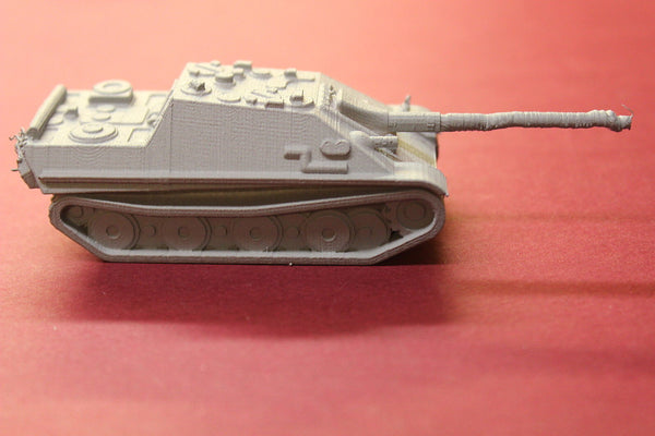 WW II GERMAN JAGPANTHER TANK DESTROYER