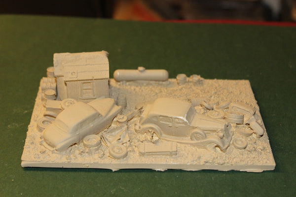 HO SCALE BUILT AUTO SCRAP YARD CAST RESIN