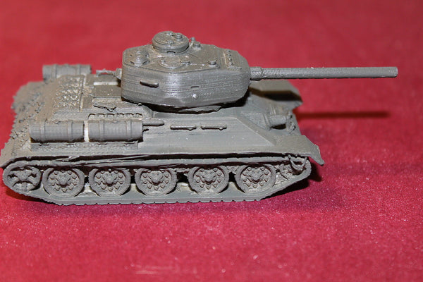 WW II RUSSIAN T-34 MEDIUM TANK OT34-85 1944