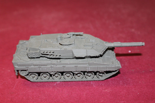 1/87TH SCALE  3D PRINTED WEST GERMAN ARMY LEOPARD 2 MAIN BATTLE TANK