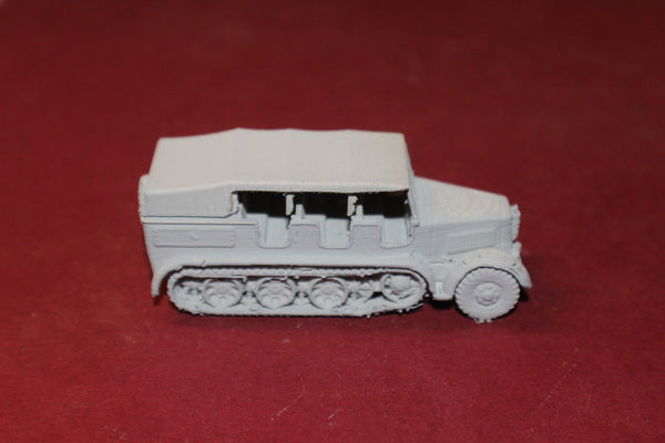 WW II GERMAN SD.KFZ. 8 SPECIAL MOTORIZED VEHICLE 8 COVER