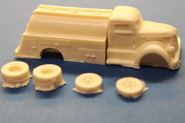 HO SCALE 1940'S DIAMOND T REO FUEL TRUCK RESIN KIT