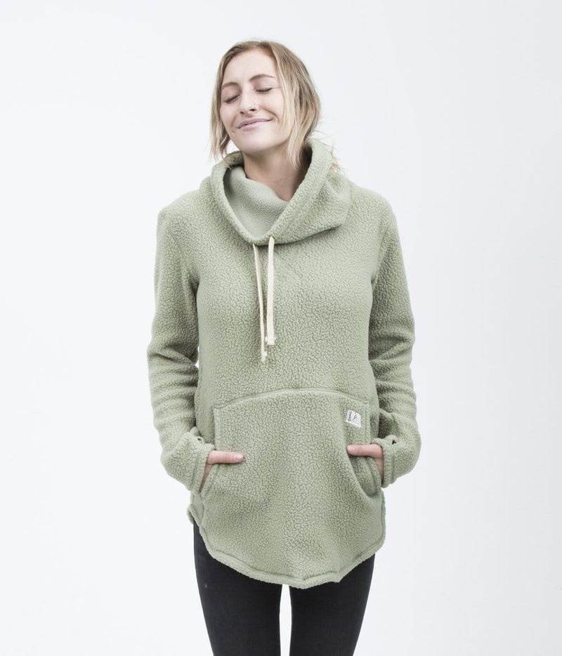 Deso Supply Co. Tallac Oil Green Pullover--on model