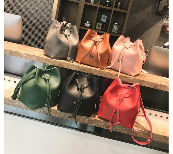 Béatrice Bucket Bag