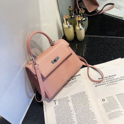 Elise Shoulder Bag (Pink)