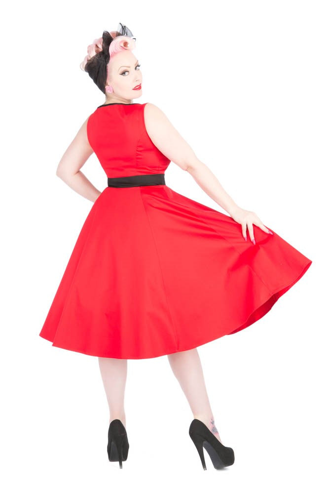 9427 Keyhole Dress in Red