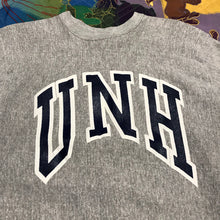 Load image into Gallery viewer, Vintage UNH Crewneck Sweatshirt M