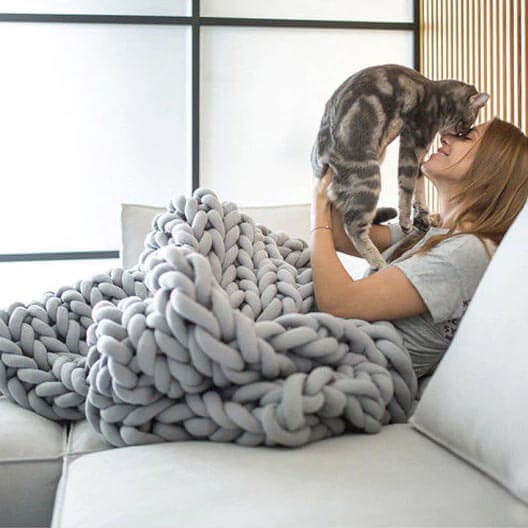 Chunky Knit Cuddle Blanket