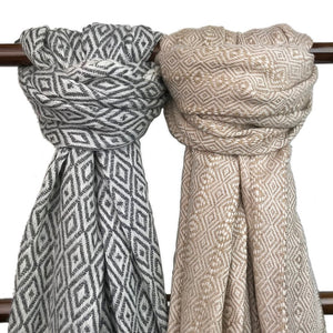 Handmade Woven Himalayan 100% Cashmere Scarf - Charcoal and White Diamond Pattern