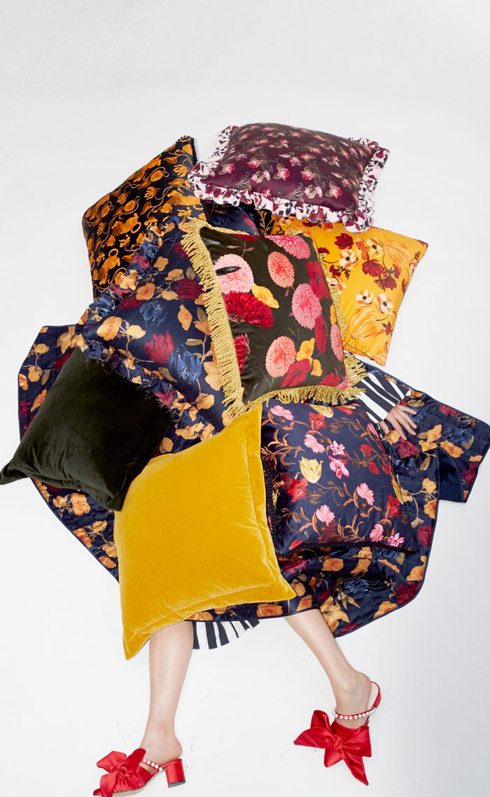 AMBER TULIP QUILTED SILK CUSHION