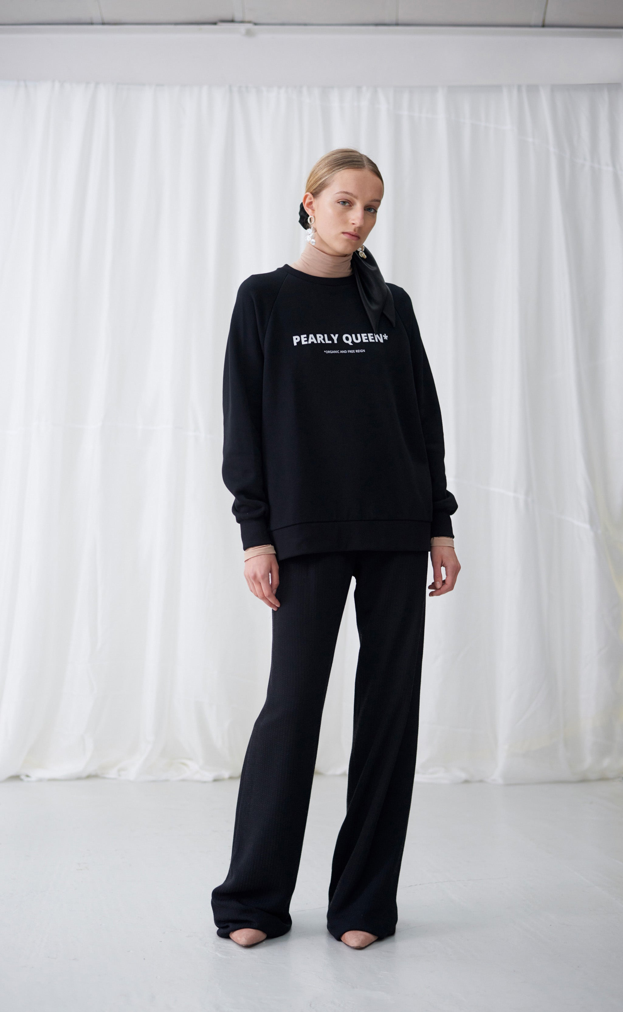 SAMANTHA SWEATSHIRT