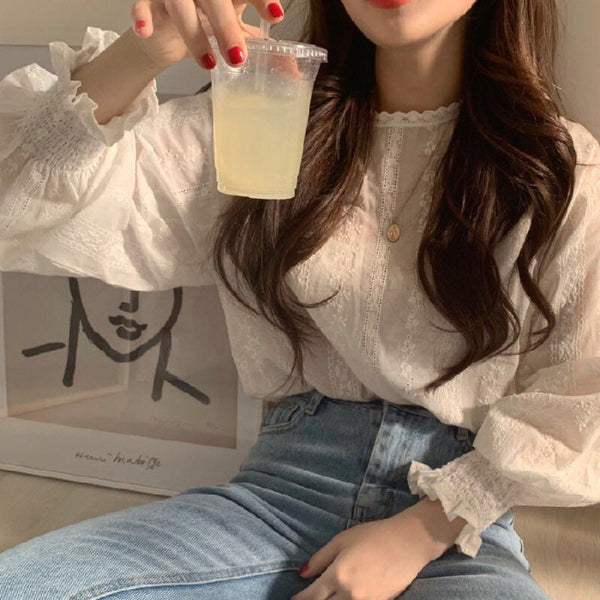 Korea ins Department of sweet little girl in early spring fresh lace hook spent by age lantern long-sleeved shirt blouses tide