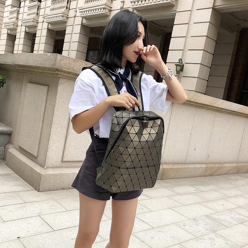 The new fashion male and female models Symphony pu shoulder bag bag soft surface geometry Quilted handbag Amazon