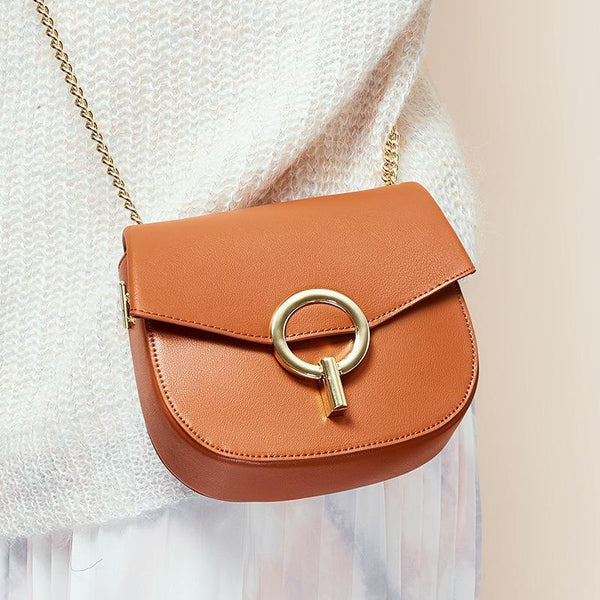 Trendinggate.com Baggage Girls 2019 Leather Girls Baggage European and American Fashion Retro Small Popular Design Chain Baggage Retro Small Round Baggage