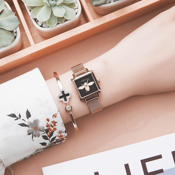 Trendinggate.com Rose Shell Black Face Blockbuster Square Bee Watch Ladies French Watch Quartz Watch Waterproof Tremble Processing Customization