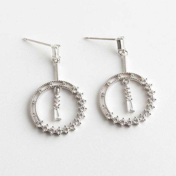Trendinggate.com Japanese and Korean style new S925 pure silver ear nail female inlay drill simple personality fashion Tremella jewelry geometric temperament ear needle (925Silver)