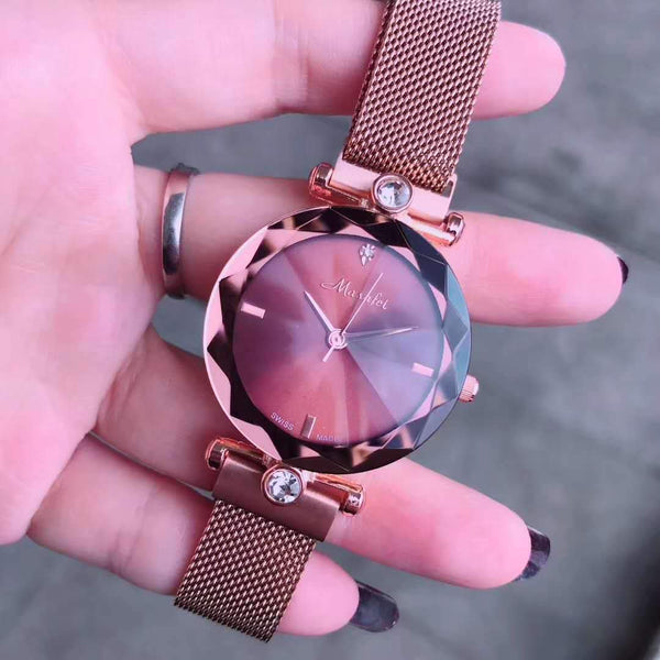 Trendinggate.com The new Martha's authentic lady's watch Douyin is the same as the crystal cutting face Milan magnetic strap.