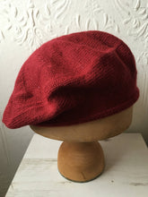 Load image into Gallery viewer, Lord and Taft Light Maroon Alpaca Knitted Tam Style Beret