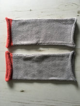 Load image into Gallery viewer, Light Grey Fingerless Alpaca and Silk Gloves with Pink Trim