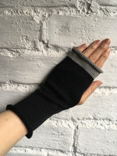 Load image into Gallery viewer, Black Cotton Wristwarmers