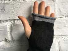 Load image into Gallery viewer, Black Alpaca Fingerless Gloves
