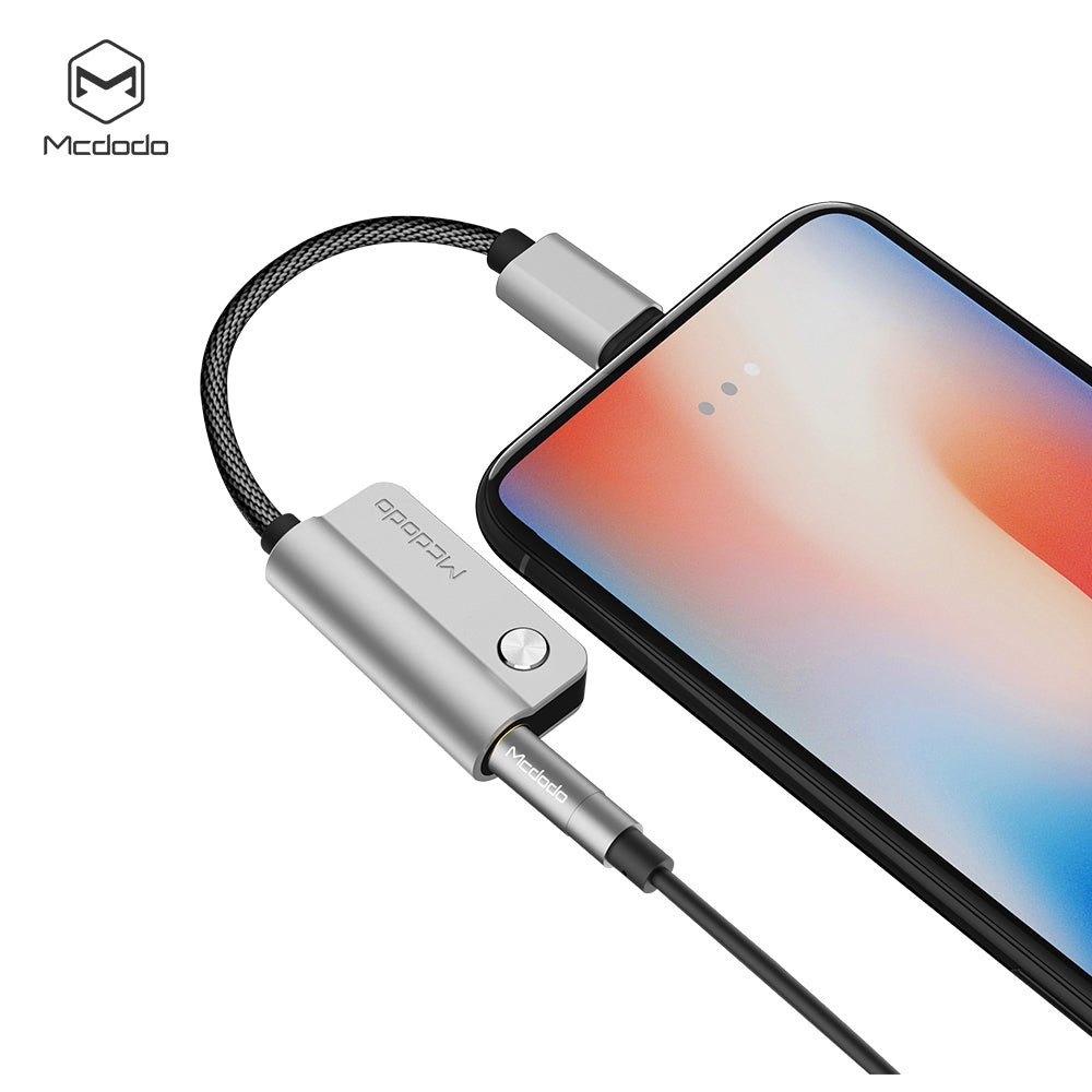 MCDODO Audio 2 in 1 Adapter for iPhone 7 8 Plus X XS MAX XS XR Cable Splitter for iPhone to 3.5mm Jack With charging iPhone Aux Cable - Hot Phone Tech