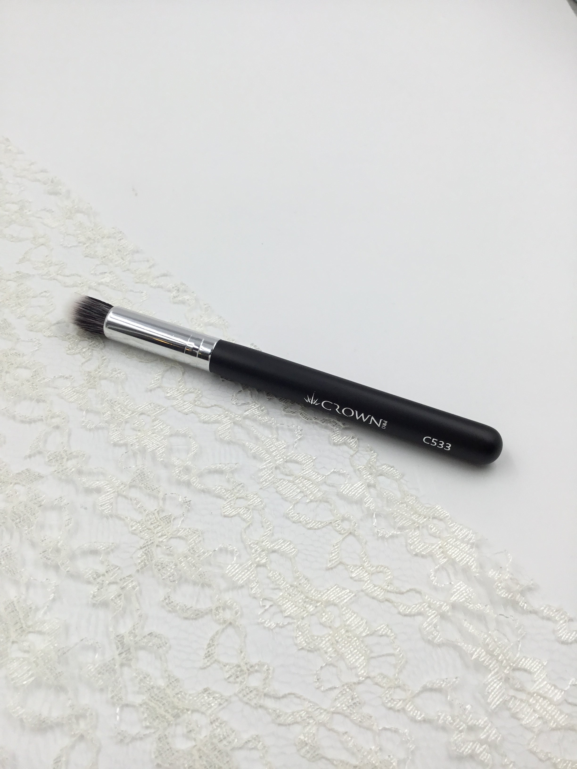 Chisel Fluff Blending Brush