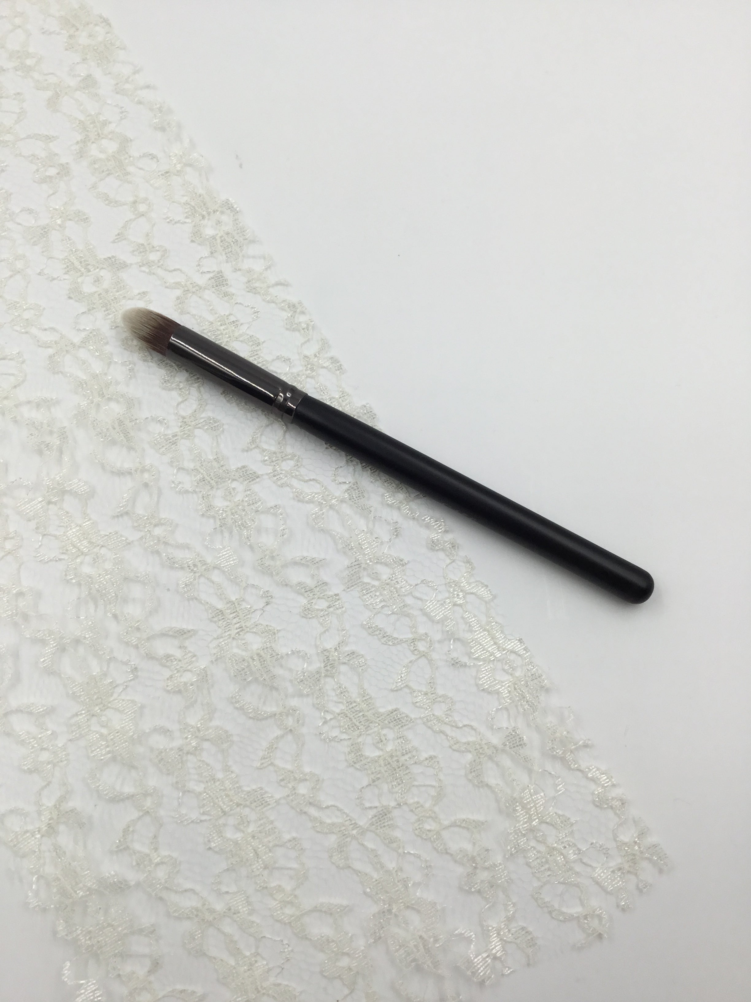 Pointed Concealer Blender Brush