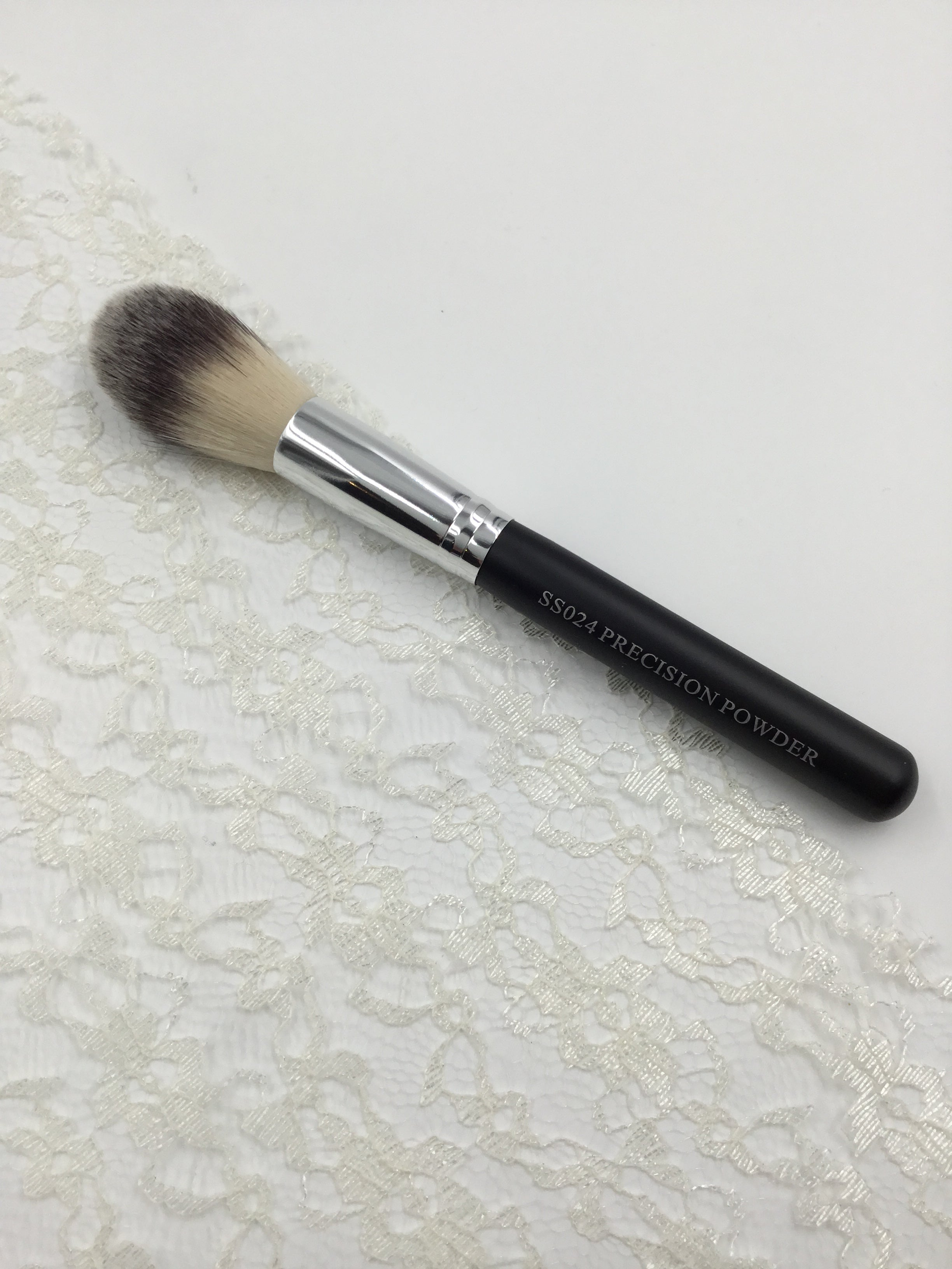 Precision Powder Makeup Brush